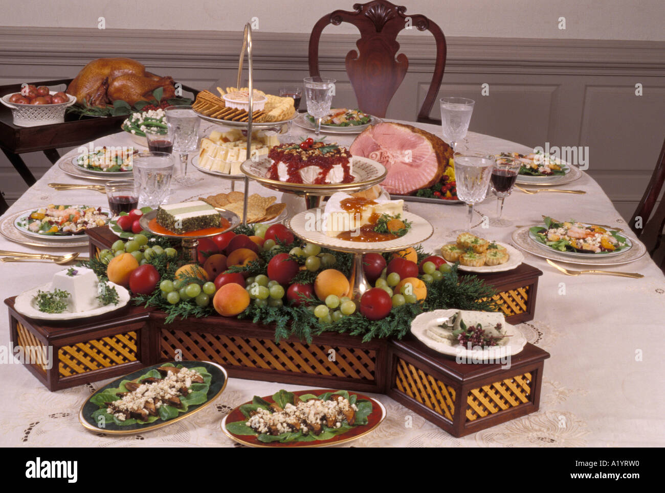 ... watchthetrailerfo Family gathering sunday holiday style formal dinner table setting family gathering sunday holiday style formal dinner ... & Buffet Style Table Setting Images - Table Decoration Ideas