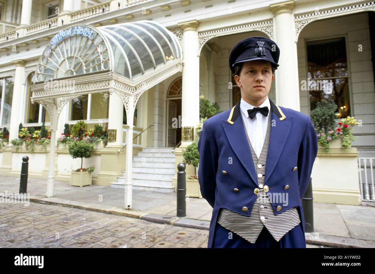 London Hotel Doorman Stock Photos u0026 London Hotel Doorman Stock .  sc 1 st  novelas.us : savoy doorman - pezcame.com