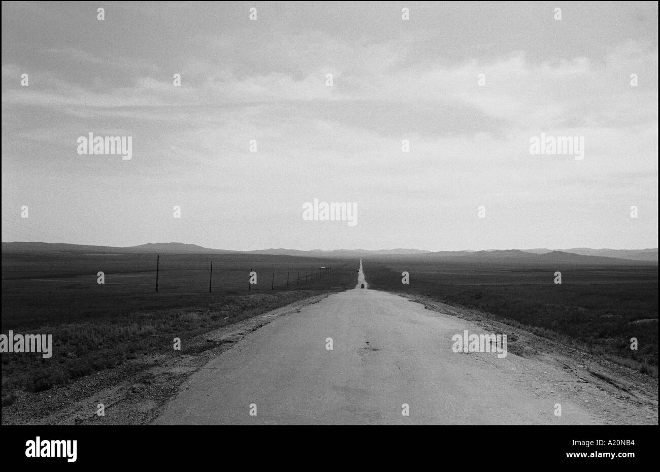 On the road on the steppes in Ovorkhangai district, Mongolia - Stock Image