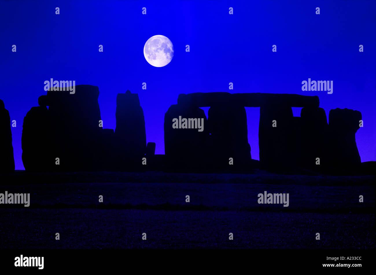 moonrise Stonehenge Wiltshire England - Stock Image