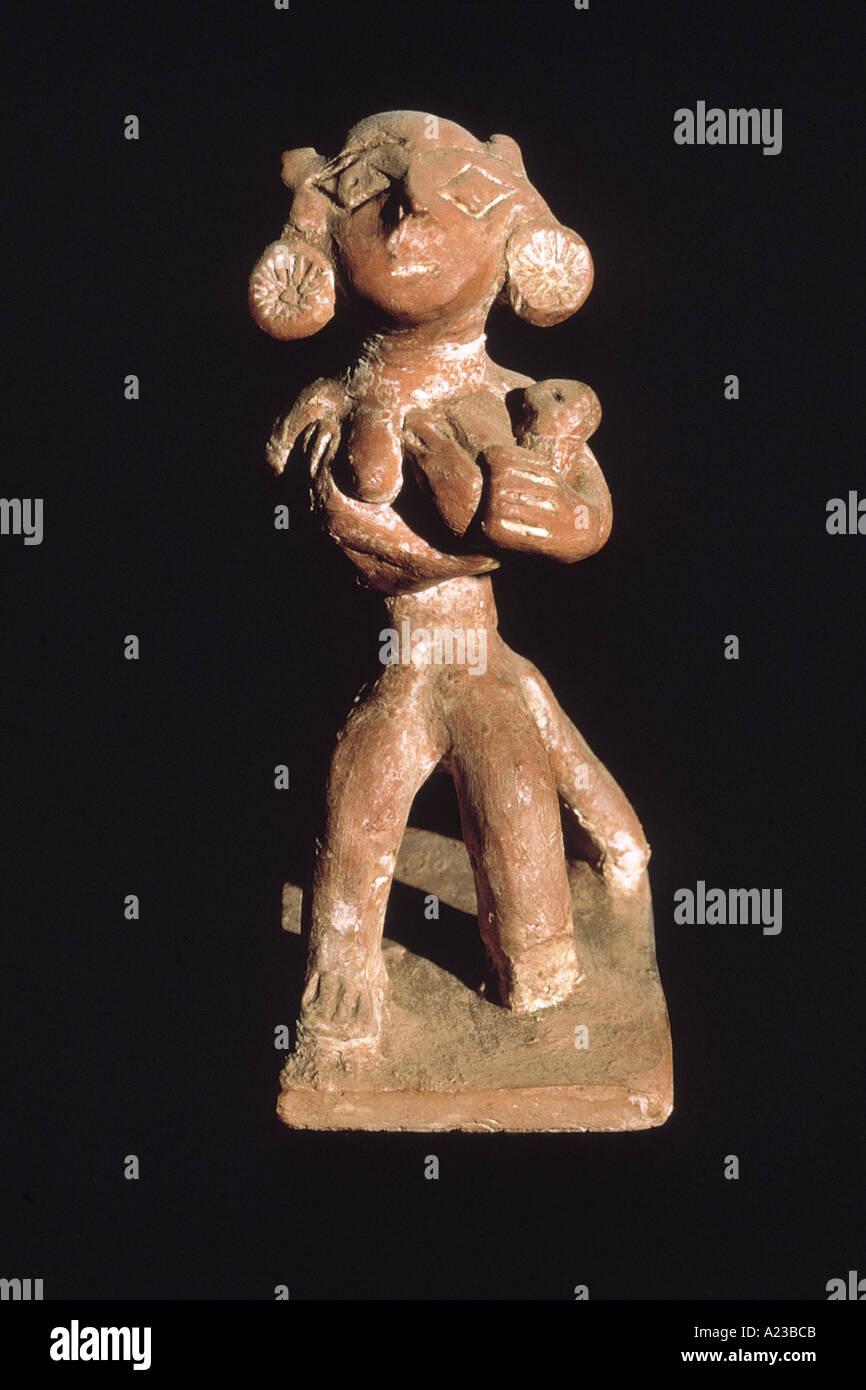 Female figurine. Sunga period circa 2nd. cent. B.C. - Stock Image