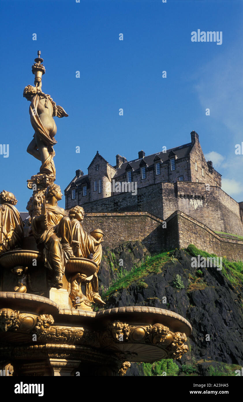 The Ross fountain Princes street gardens Edinburgh castle Edinburgh Lothian UK GB EU Europe - Stock Image