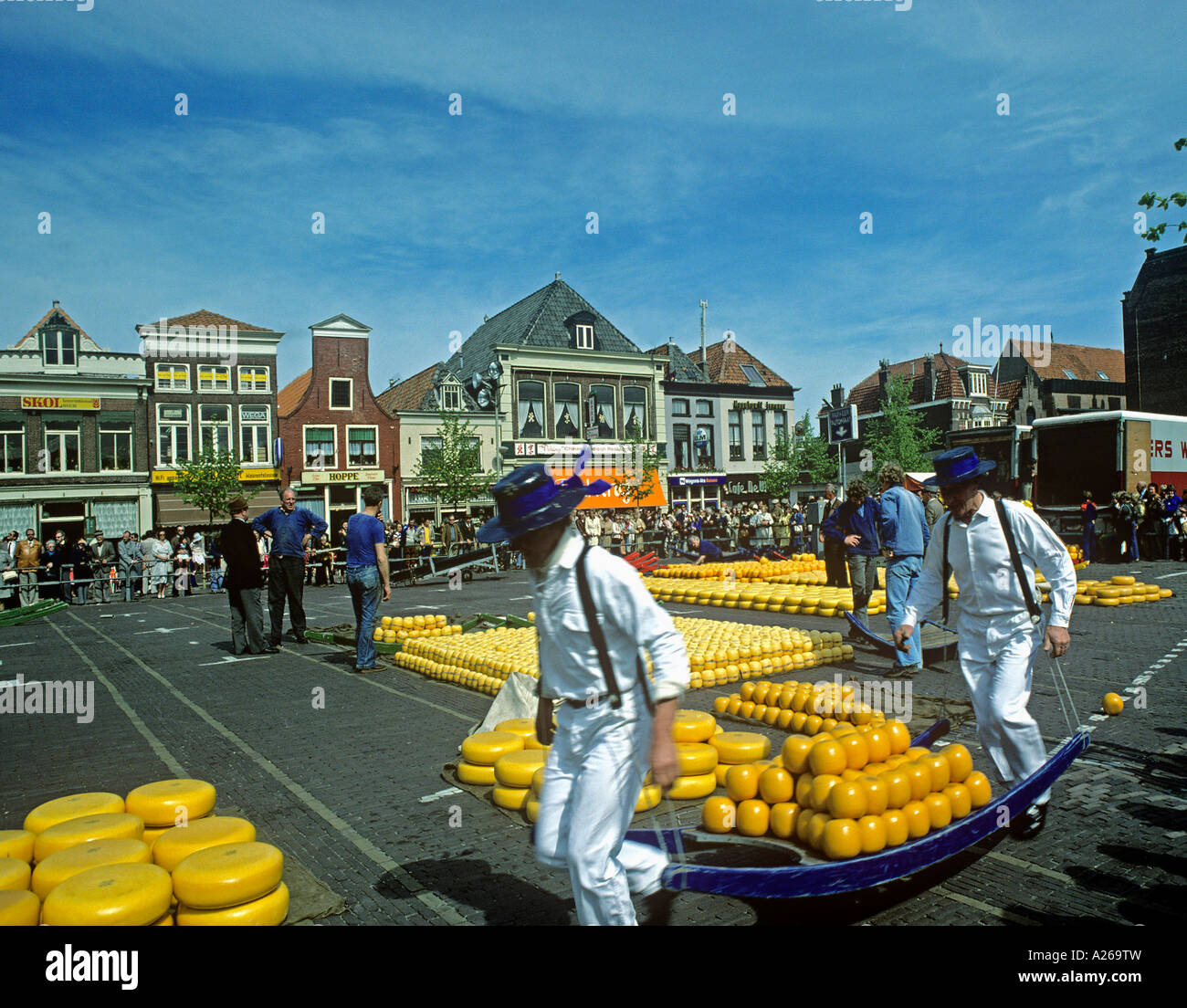 Auction of cheeses in the North Holland town of Alkmaar - Stock Image