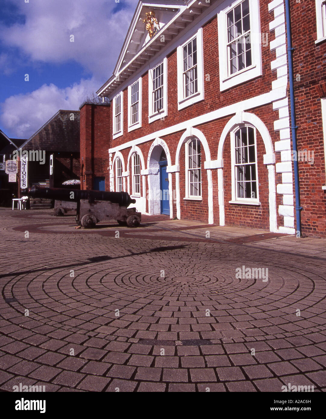 The Old Custom House at Exeter's historic quayside. - Stock Image