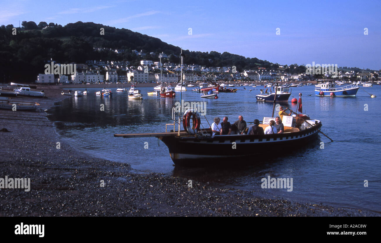 The Teignmouth to Shaldon passenger ferry arrives at Teignmouth, South Devon - Stock Image