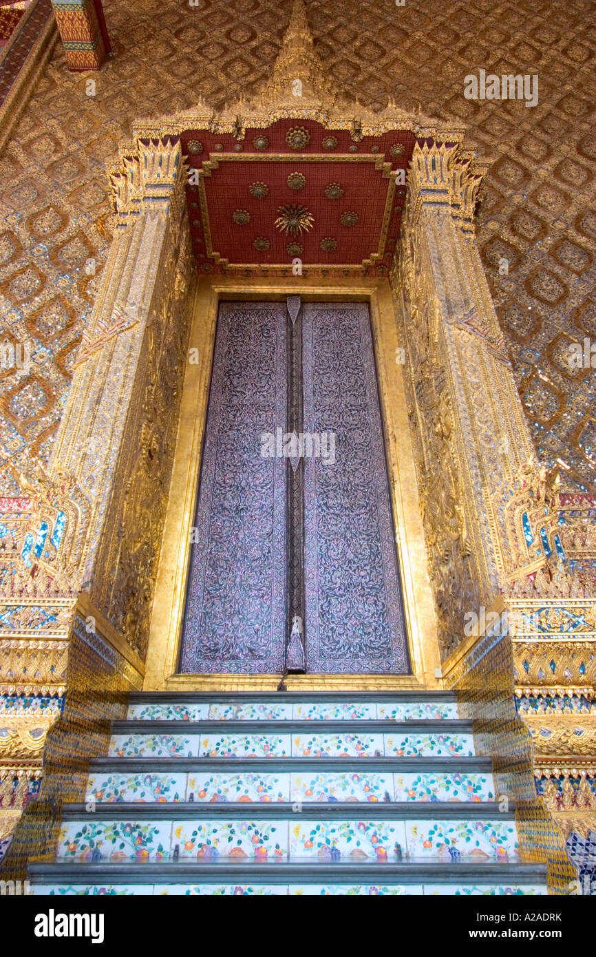 Mother-of-Pearl inlayed Doors to the Temple of the Emerald Buddha at Wat Phra Kaeo & Mother-of-Pearl inlayed Doors to the Temple of the Emerald Buddha at ...