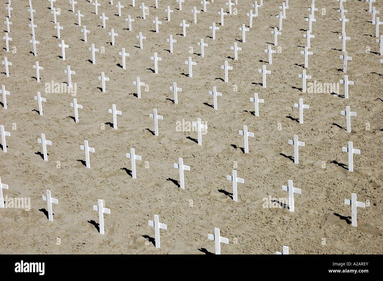 A sea of white crosses on Santa Monica beach, Los Angeles, California, USA. - Stock Image