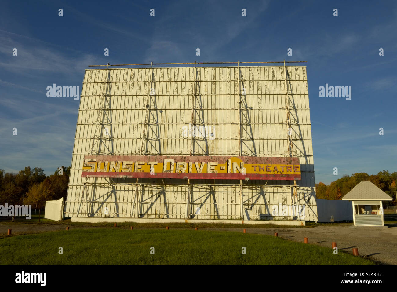 Sunset Drive In Theater In Ontario Ohio Usa Stock Photo Alamy