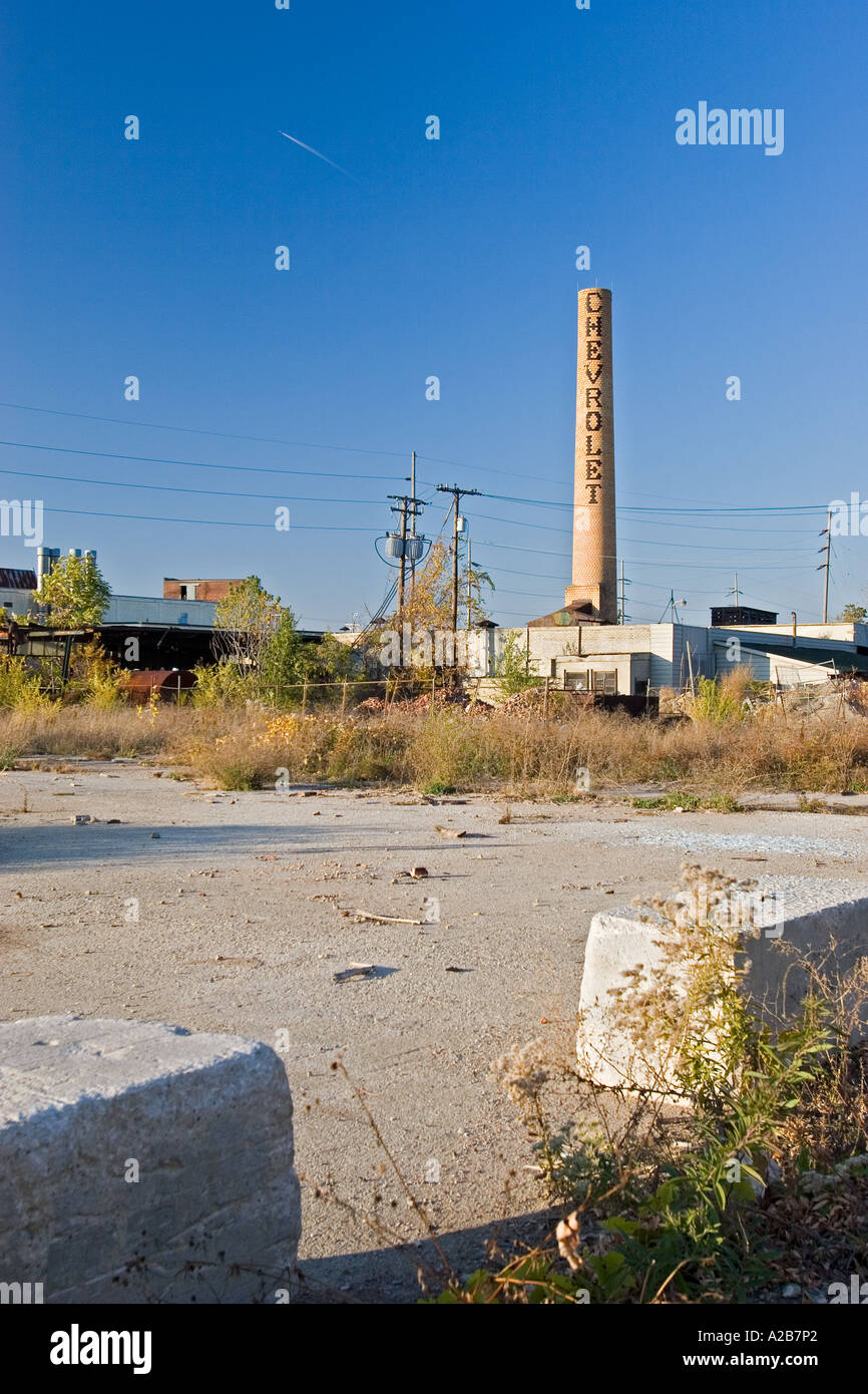 Toledo Ohio An empty parking lot at a long abandoned Chevrolet plant - Stock Image