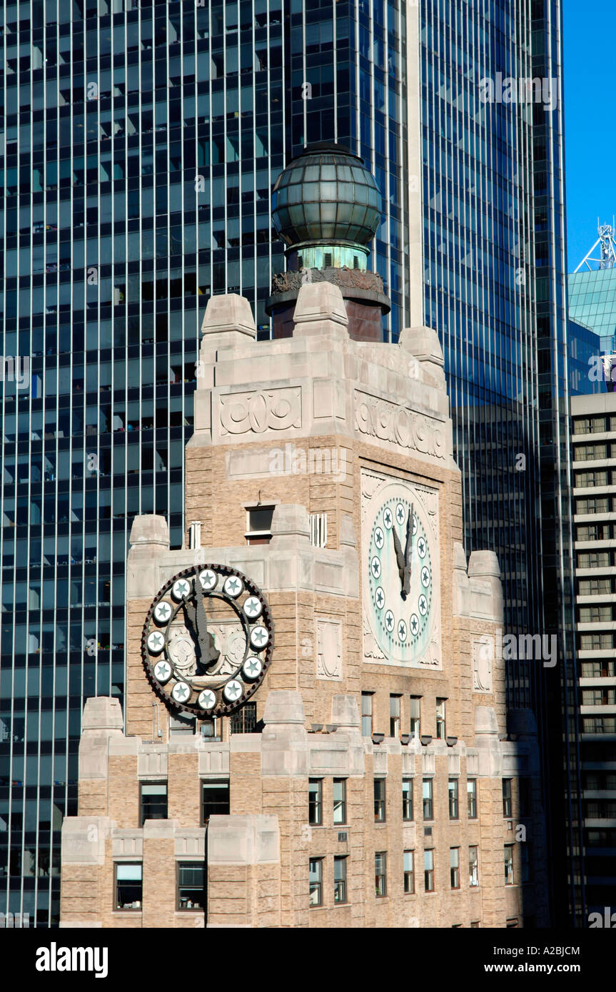 Detail of the Paramount Building tower and clock in Times Square - Stock Image