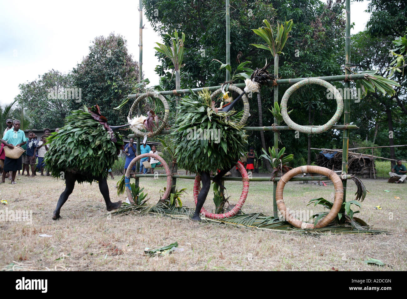 Tubuans perform at a Tolai Death Ceremony, Matupit Island, East New Britain, Papua New Guinea - Stock Image