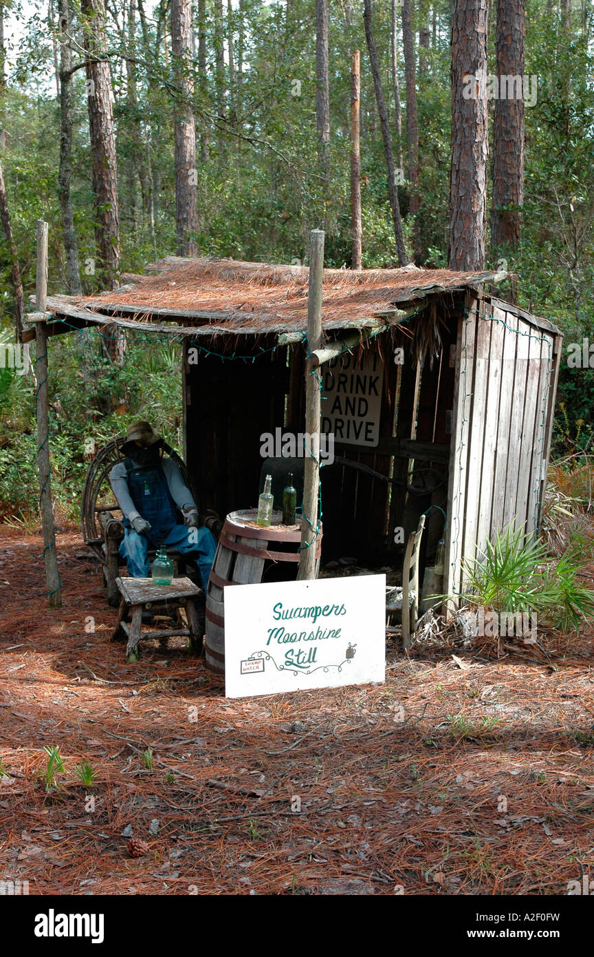P32 056 Okefenokee - Swampers Moonshine Still - Georgia - Stock Image