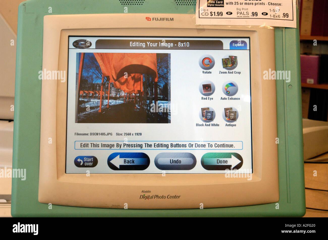 Customers Ritz Camera Print Digital Stock Photos & Customers