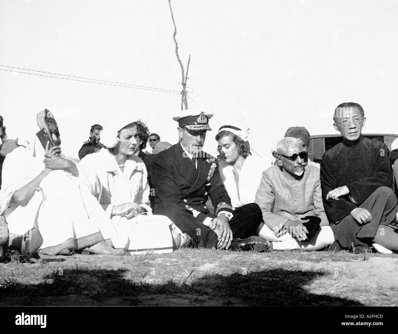 MKG33609 Last British Viceroy in India Lord Mountbatten and his family at the funeral procession of Mahatma Gandhi India 1948 - Stock Image