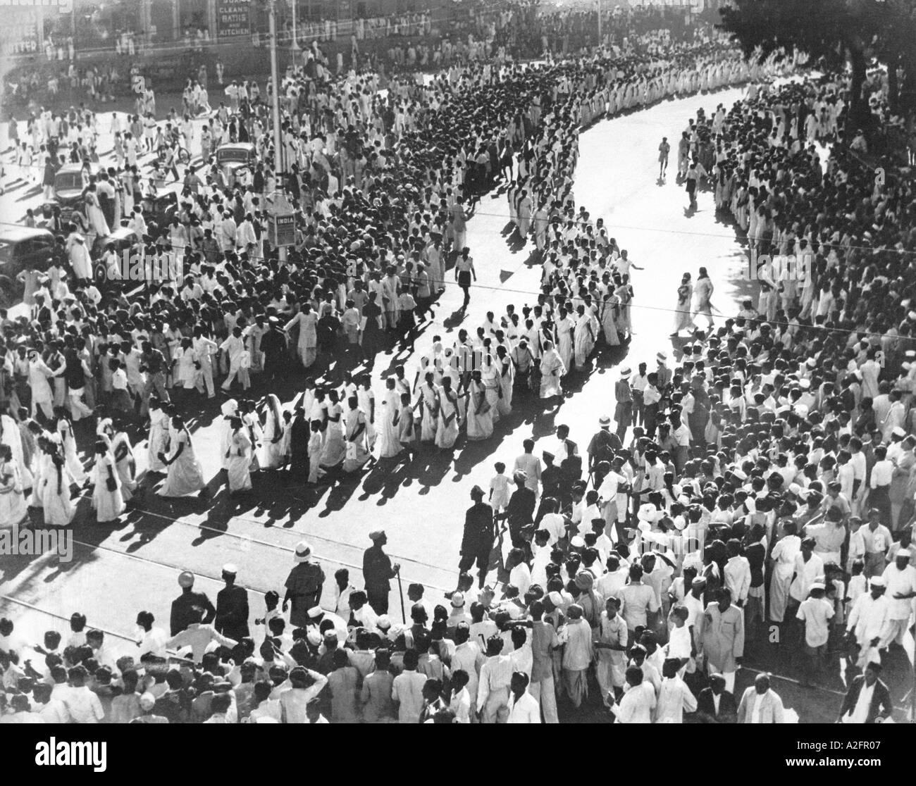 Procession by women during satyagraha campaign agitation freedom movement in Bombay now Mumbai Maharashtra India - MKG 33262 - Stock Image