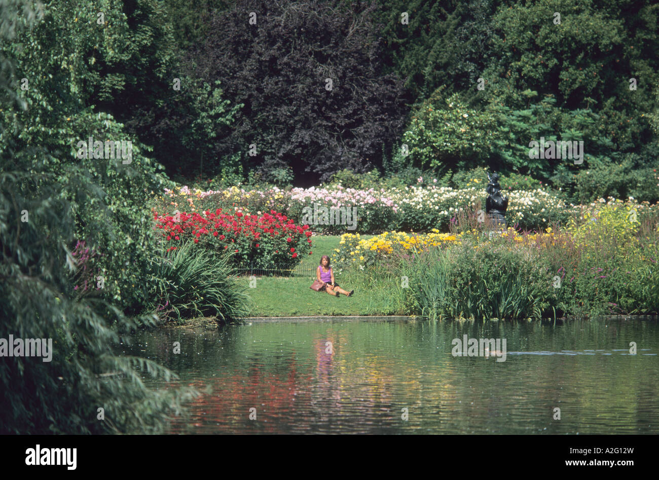 Rose garden in the Inner Circle at Regents Park London Stock Photo