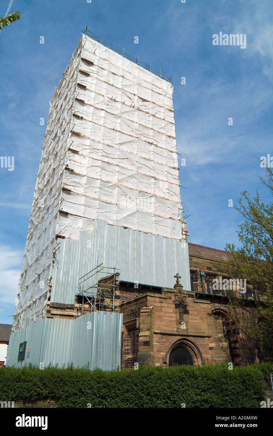 St Marys Church close to the bank of the River Mersey in West bank Widnes - Stock Image