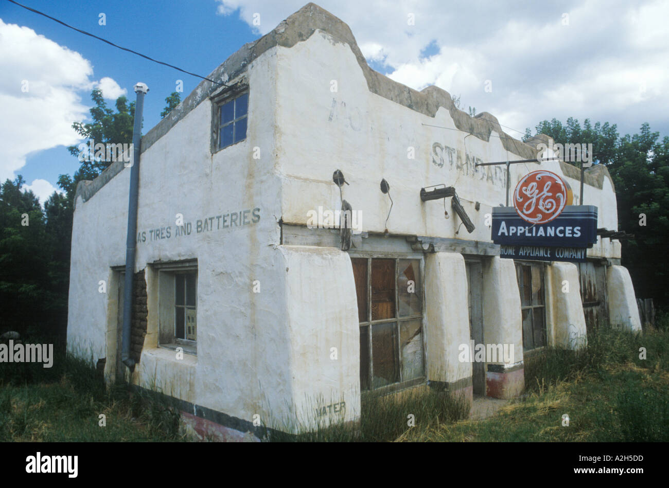 An abandoned appliance store New Mexico 2002 - Stock Image