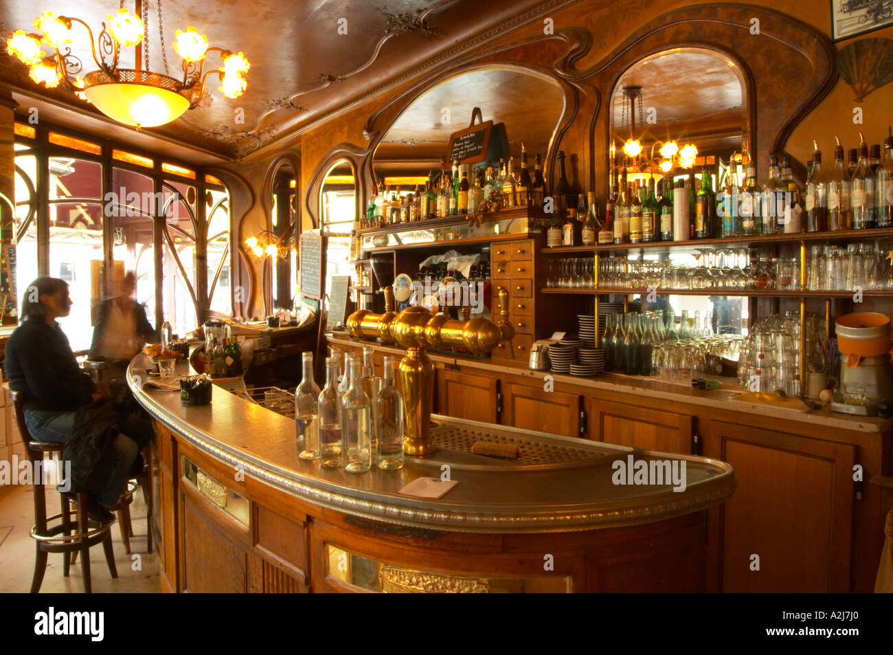 the curved bar zinc brass beer and water taps and water carafes stock photo 6018911 alamy. Black Bedroom Furniture Sets. Home Design Ideas