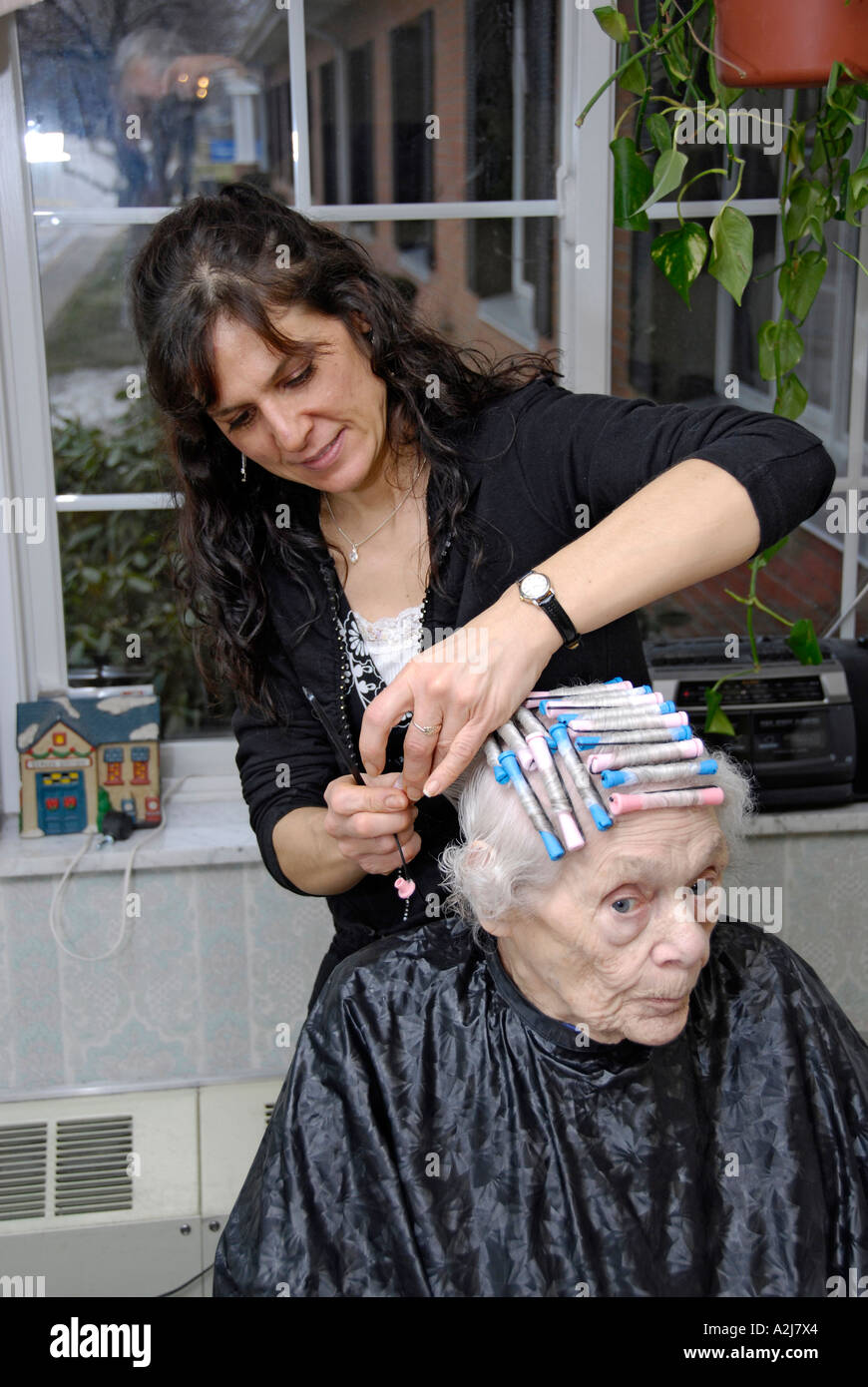 how to style hair with shampoo senior elderly has hair cut shampoo color and 6138