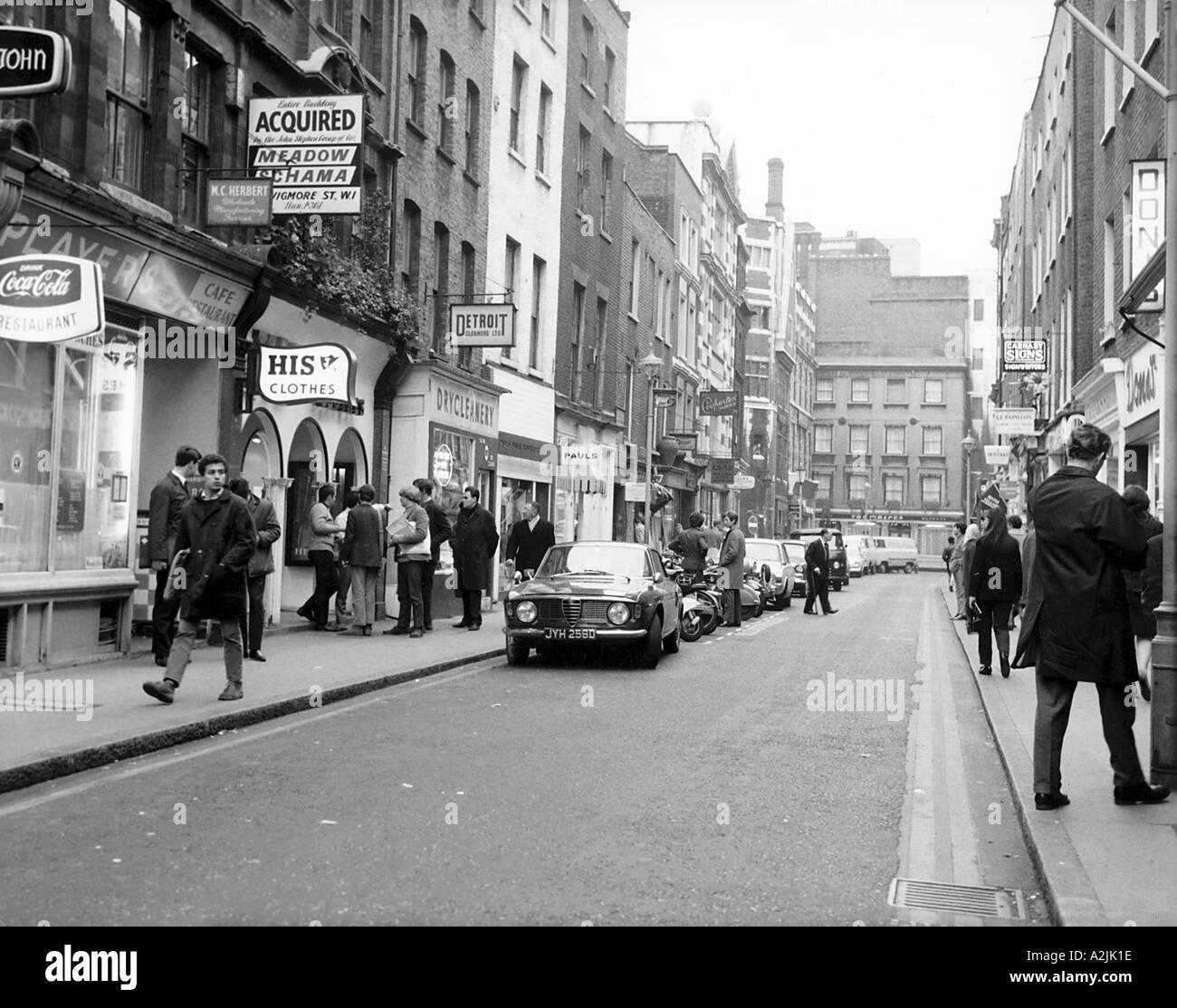 Carnaby Street London 1960s teenage fashion shop shopping - Stock Image