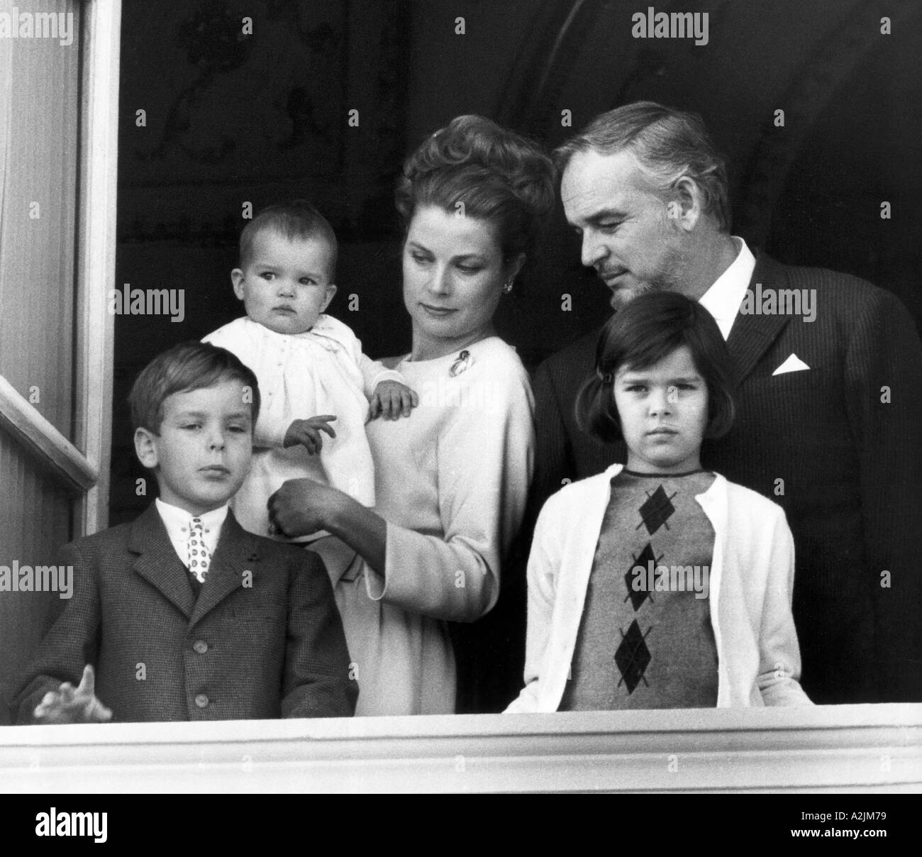 GRACE KEKLLY With Prince Rainier III And Their Children At The Balcony Of Monaco Palace