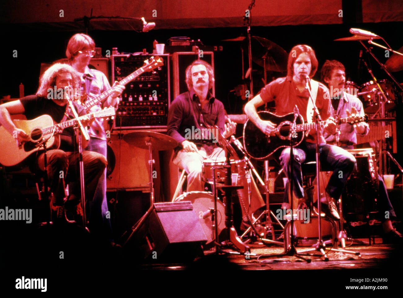 a history of the grateful dead a modern rock band The grateful dead's followers cut across cultural, ethnic and economic divides, but are joined by a shared love of the band's shape-shifting music, if not its counterculture-fueled ethos.