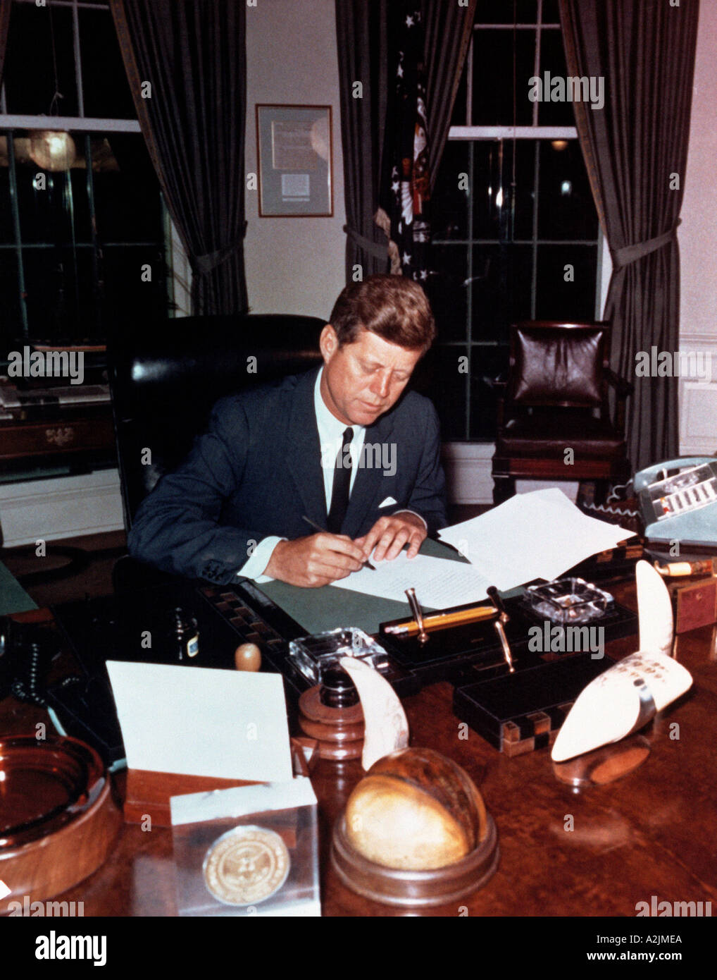 JOHN F KENNEDY in the Oval Room at the Washington White House - Stock Image