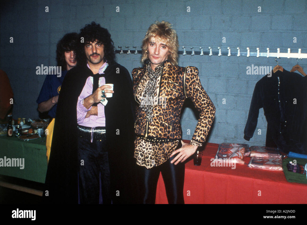 ROD STEWART and the Faces backstage in 1978 - Stock Image
