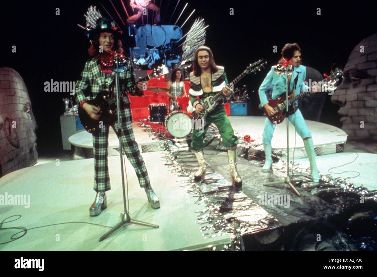 SLADE UK Glam Rock band of the 70s with Noddy Holder at left - Stock Image