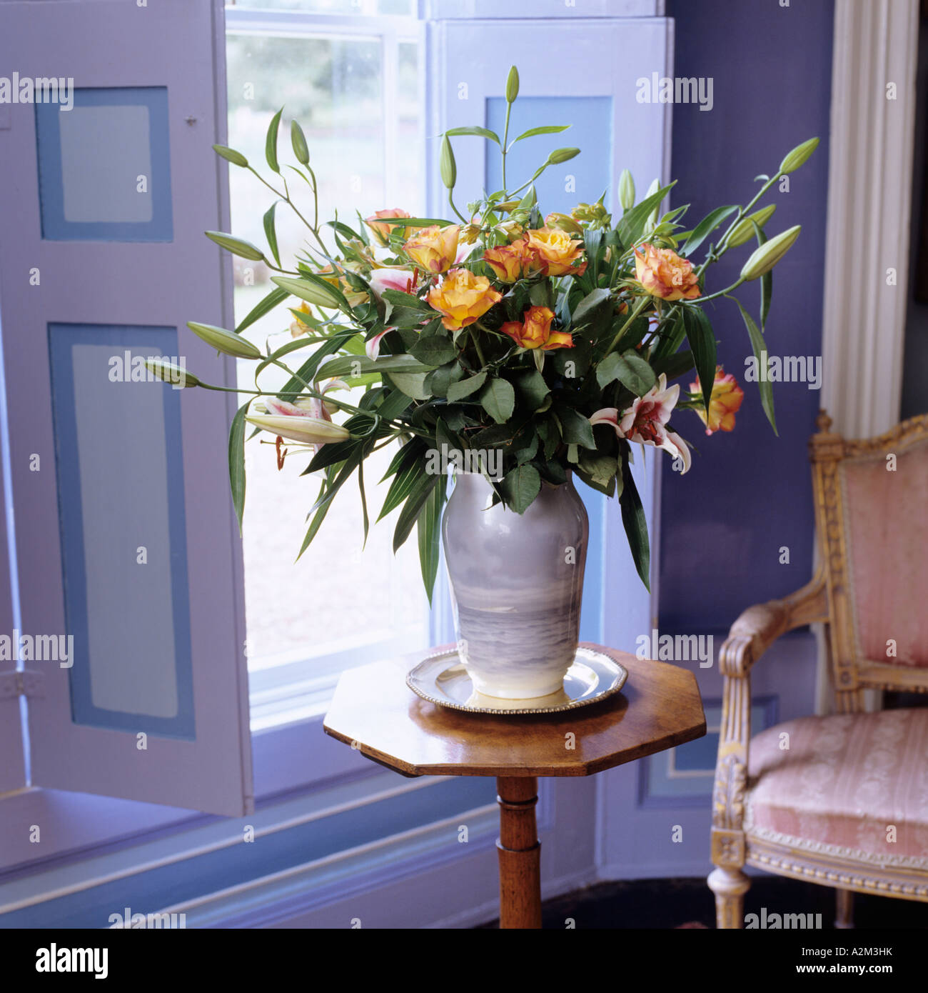 Flower Vase High Resolution Stock Photography And Images Alamy
