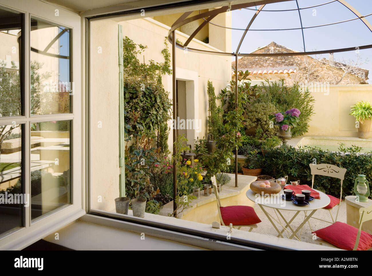 Roof garden/ courtyard of traditional Provençal villa, France - Stock Image