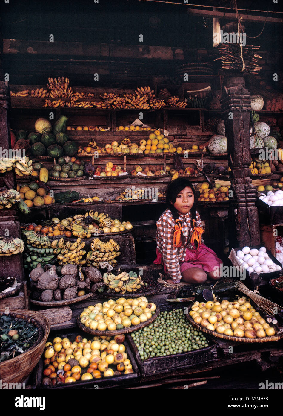 VEGETABLE SHOP IN KATHMANDHU NEPAL PHOTO BY TERRY FINCHER - Stock Image