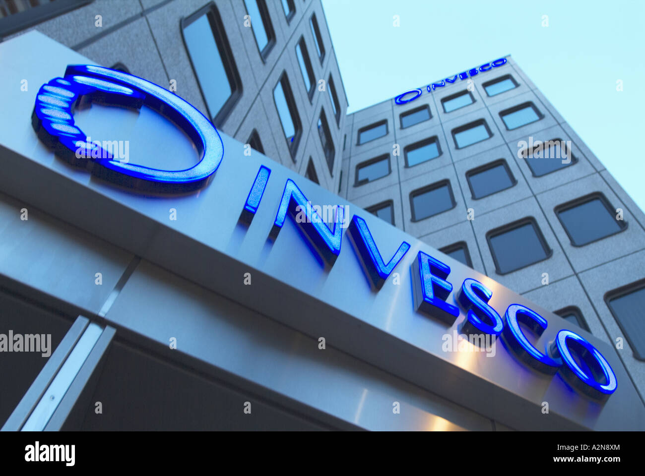 Low angle view of office building, Invesco Ltd, Frankfurt, Hesse, Germany - Stock Image