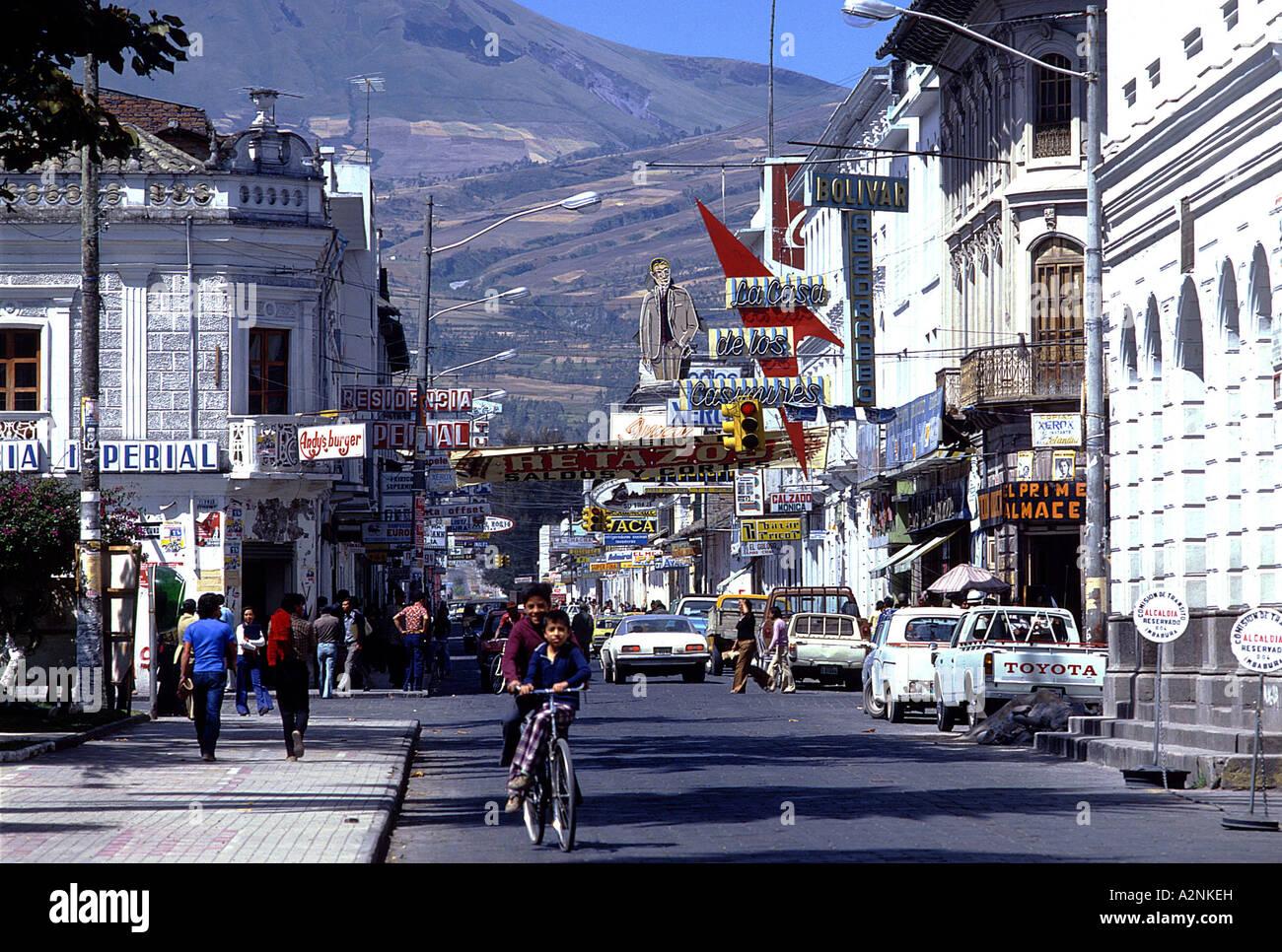 People on street in city, Ibarra, Ecuador - Stock Image