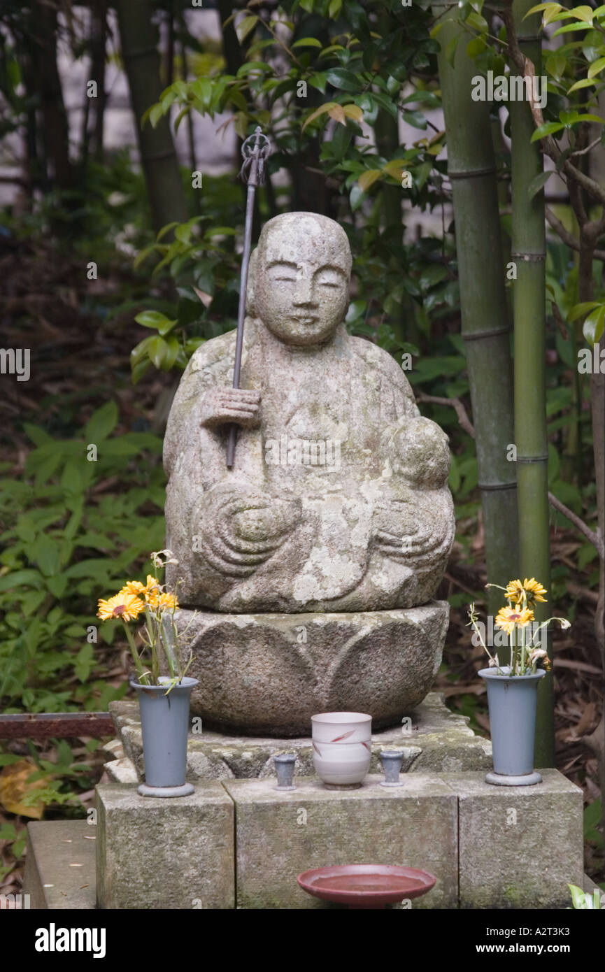 Stone Buddhist figure, Engaku-ji Temple, Kita-Kamakura, Kanagawa Prefecture, Japan - Stock Image