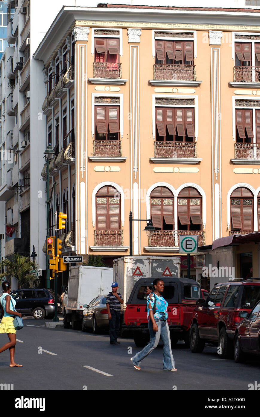 Typical street and hystorical houses in Guayaquil, Ecuador. - Stock Image