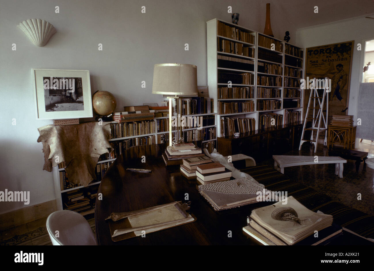 Ernest Hemingway's study in his home in Cuba Stock Photo