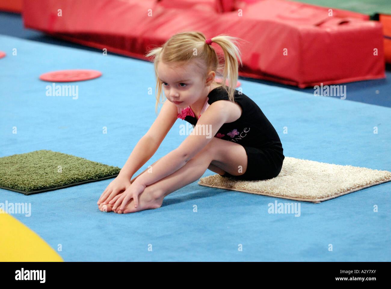 teen-girlies-beginning-gymnastics-for-adults-girl-boobs