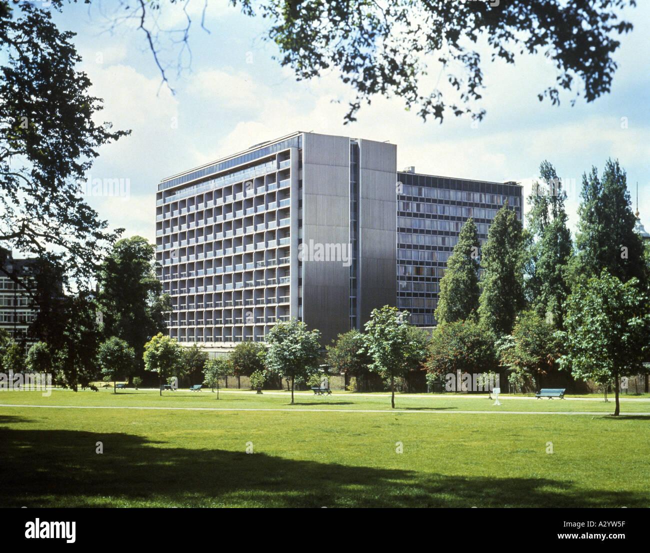 London Hotel Kensington Gardens: Royal Garden Hotel Kensington Stock Photos & Royal Garden