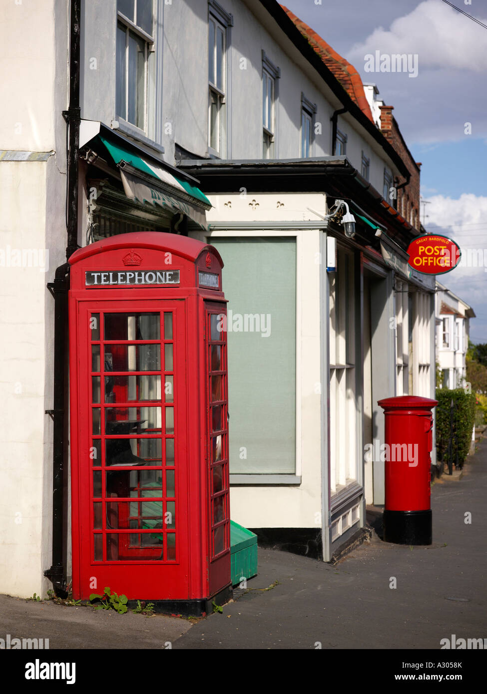 Post office and telephone box in Great Bardfield - Stock Image