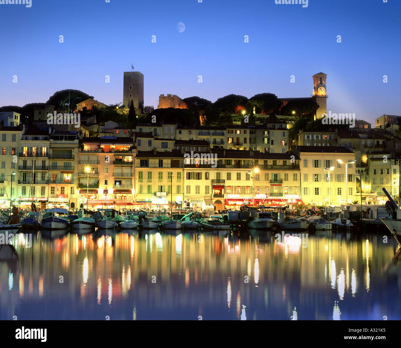 FR - COTE D'AZUR: Cannes by night - Stock Image