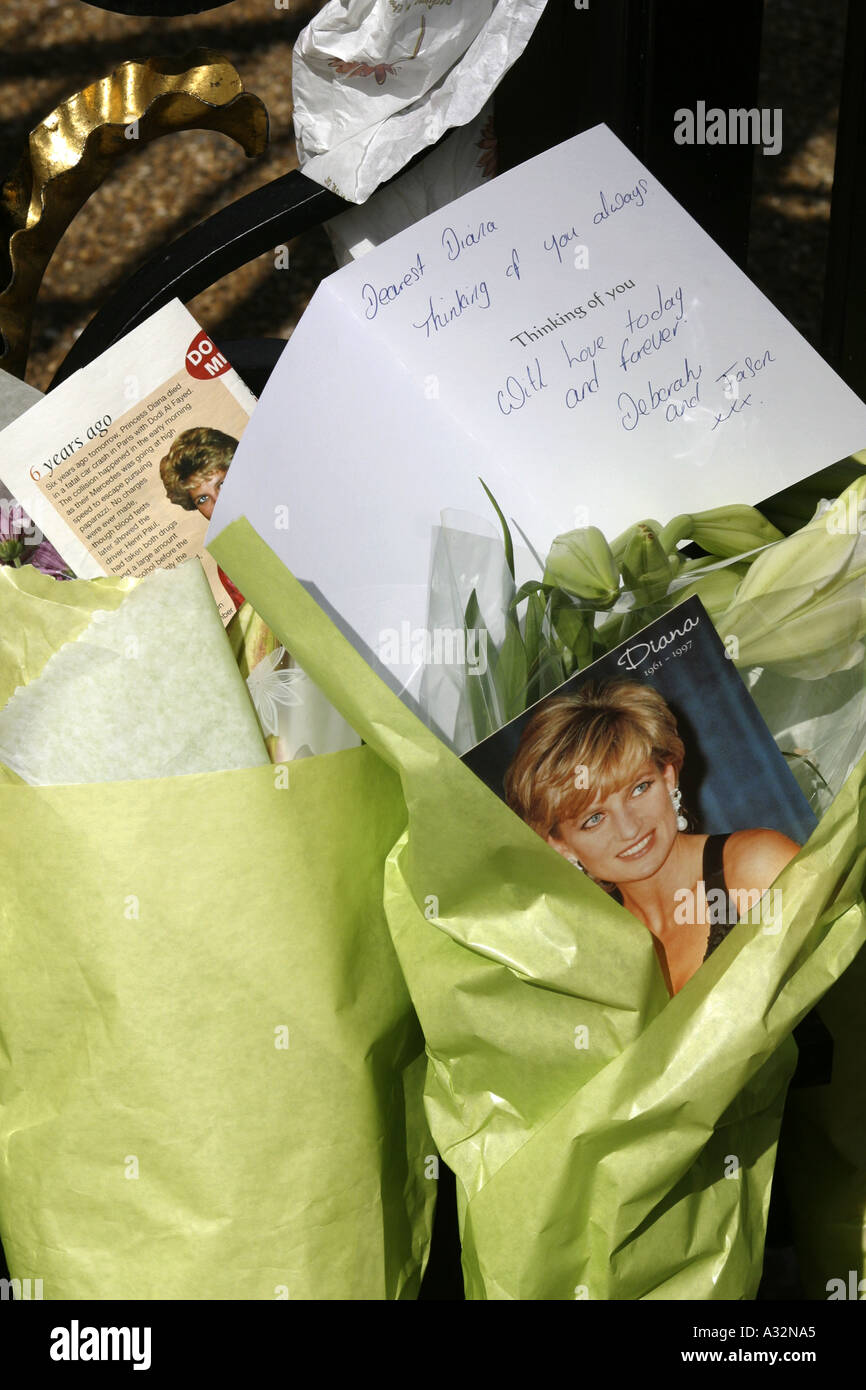 Tributes to Diana after the accident, London, UK - Stock Image
