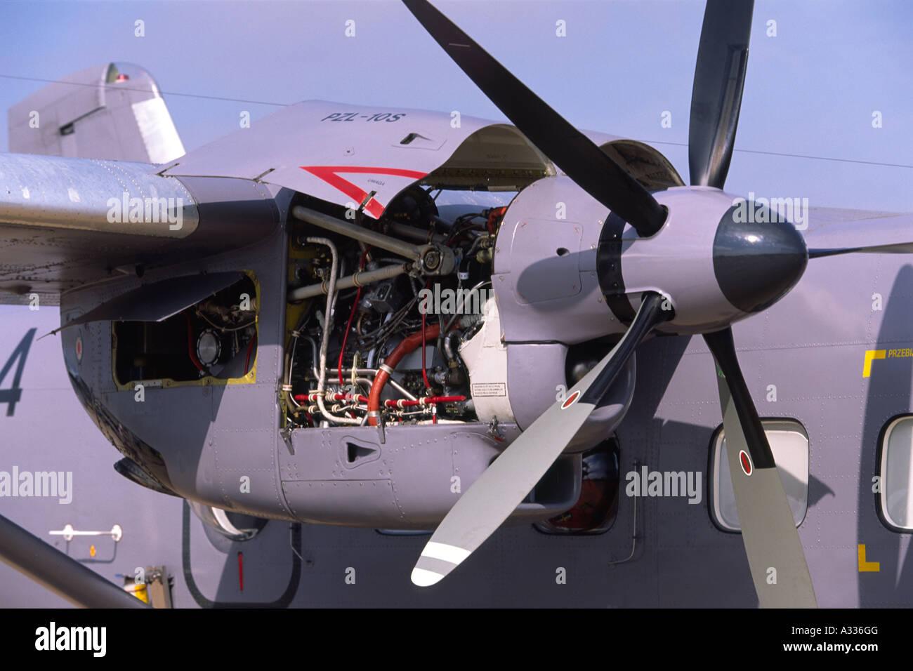 Pratt & Whitney PT6A-65BPZL turboprop engine & Hartzell