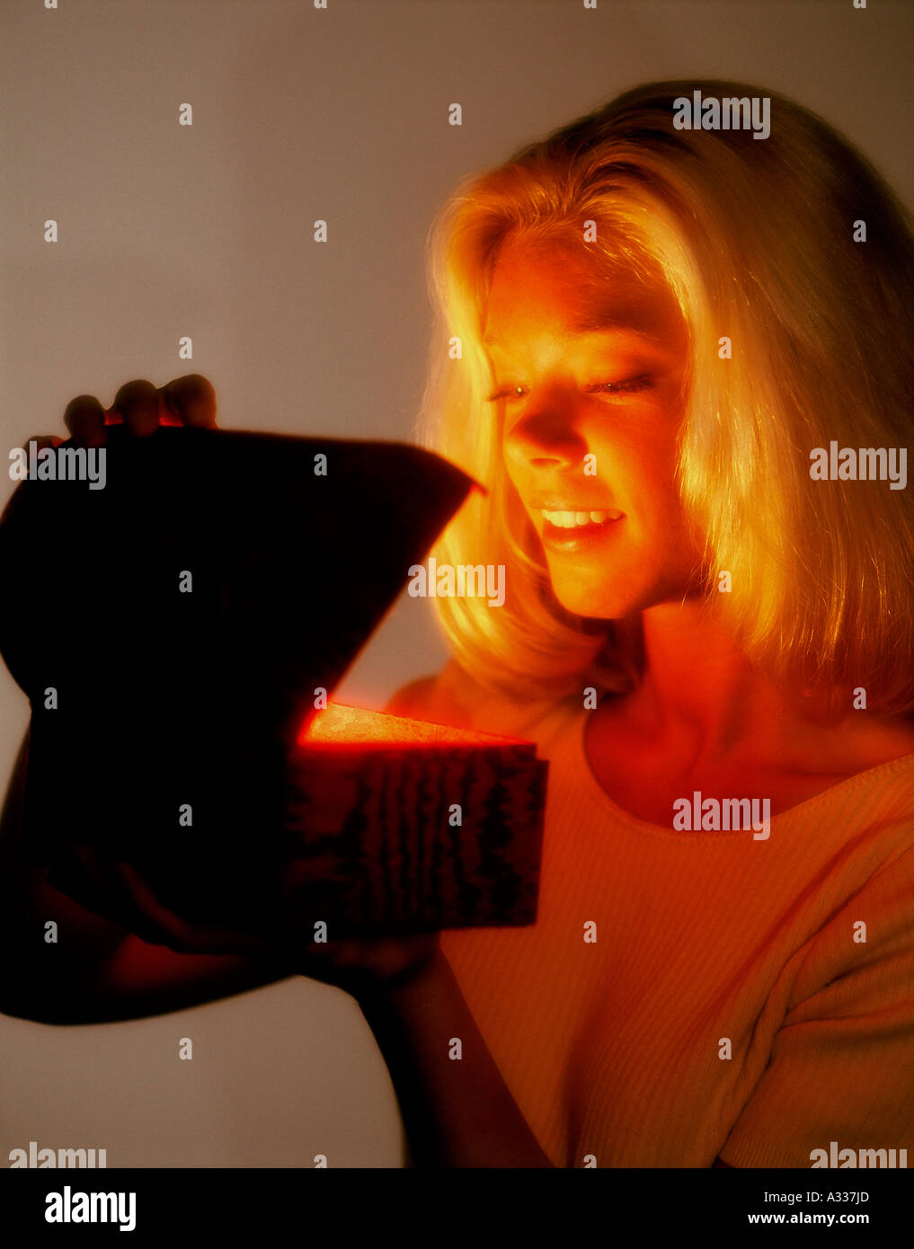 Mysterious glowing box 3F4 - Stock Image
