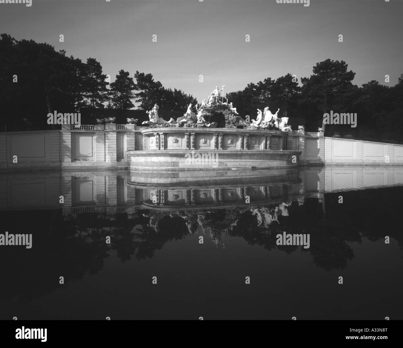 Neptune Fountain at the Schonbrunn Palace   Vienna Austria - Stock Image