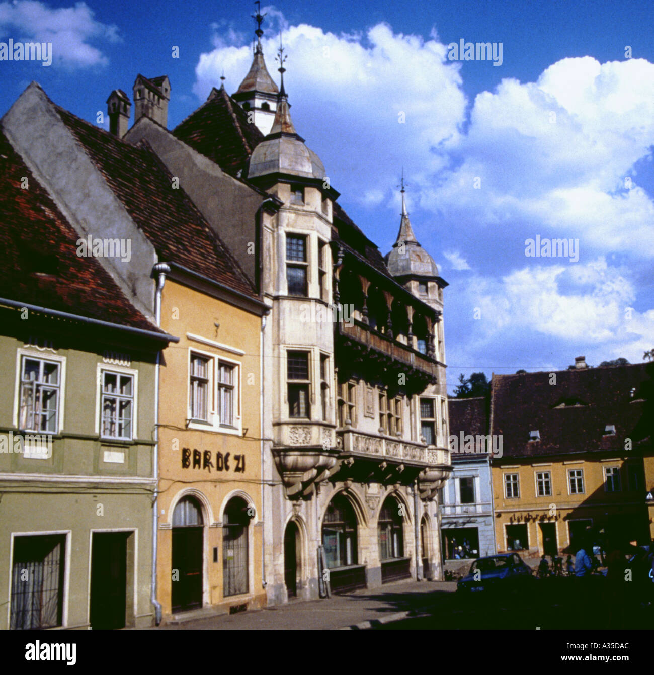 Romania Sighisoara Schäßburg Street in the old city building houses - Stock Image