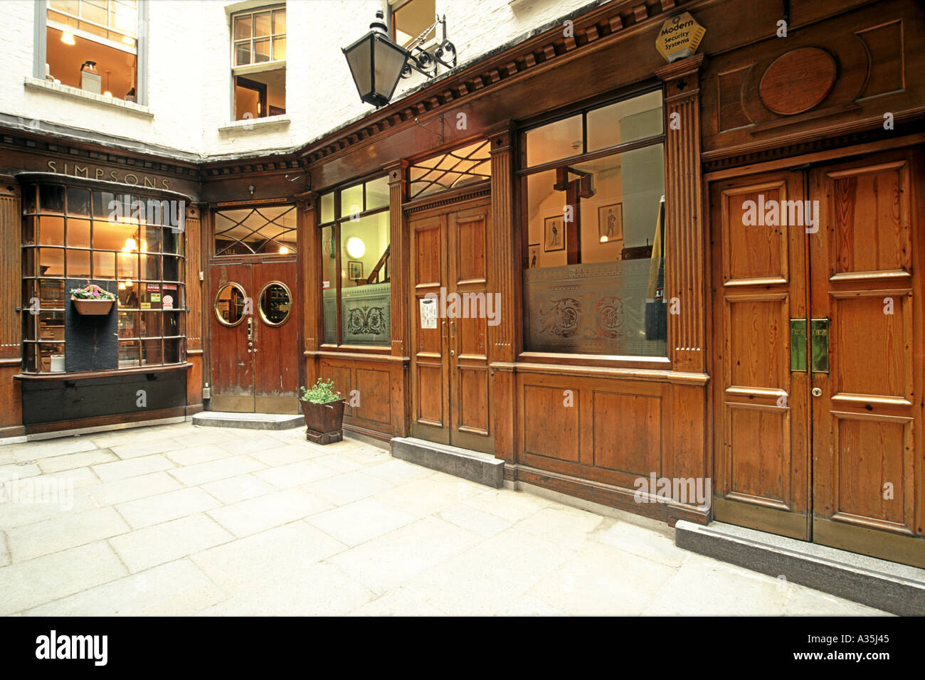 The exterior of the Victorian-era Simpson's Tavern in London. - Stock Image