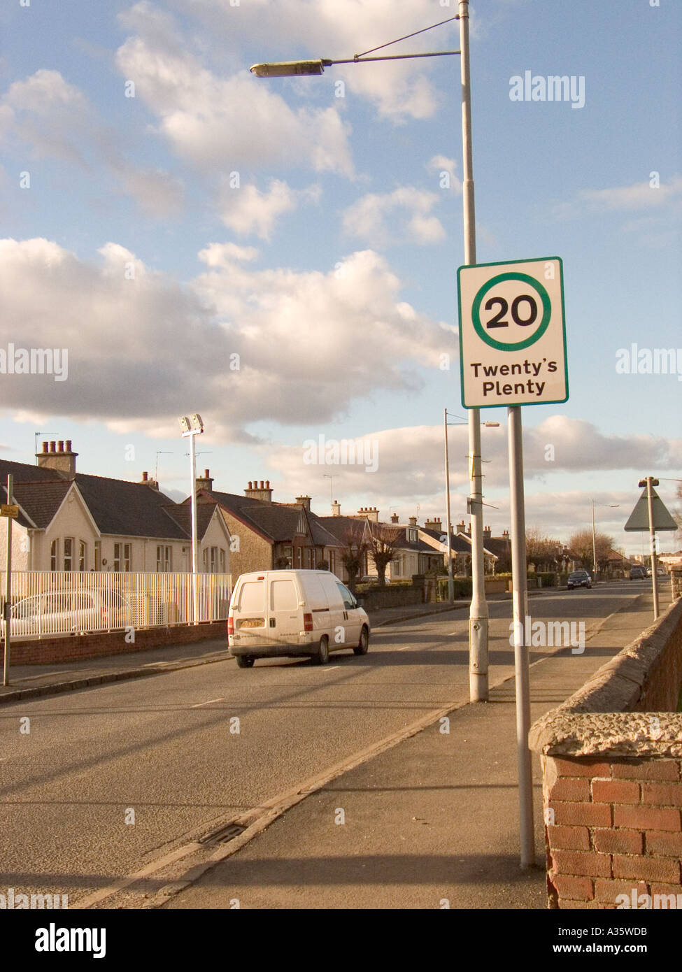 Twenty s plenty Speed limit 20 mph sign in Motherwell Scotland UK Stock Photo
