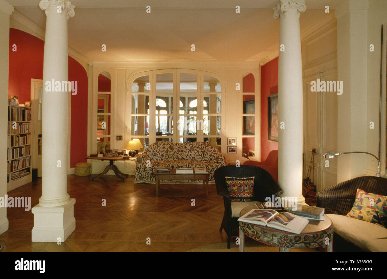 White Pillars In Open Plan White And Red French Apartment